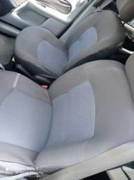 Renault Clio sedan 4peneus novos