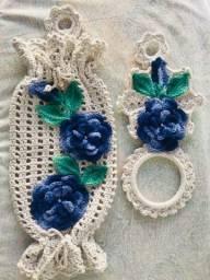 Vende se itens feitos de crochê: tapete, jogo sousplat, jogo americano, puxa saco