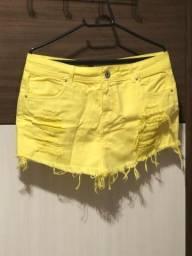 Short saia amarelo