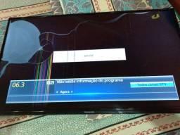 TV Panasonic 40 polegadas quebrada