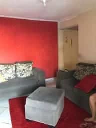 Imóvel com dois apartamentos LEIA O ANÚNCIO