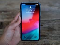 IPhone XR preto impecável 64gb 3 meses de uso troco