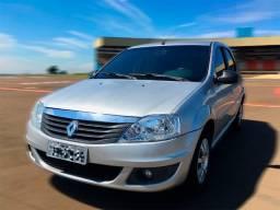 Renault Logan 1.0 - 2012