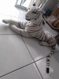 Tigre grande de pelúcia