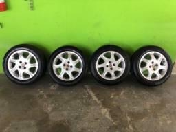 Rodas de liga aro 15 com pneu