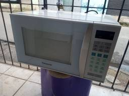 Microondas Panasonic 32 litros semi novo ZAP 988-540-491 dou garantia
