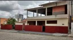 Vendo casa no centro de Linhares