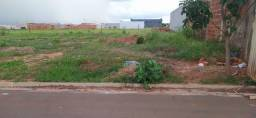 Meio terreno ou terreno inteiro com a casa Jardim paraíso