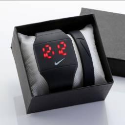 Relógio Digital Eletrônico a prova D'agua super estilos qualidade 100%<br><br>
