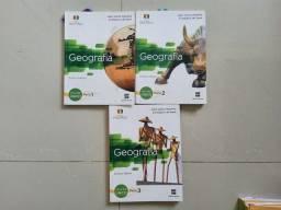 Livros de geografia- projeto múltiplo