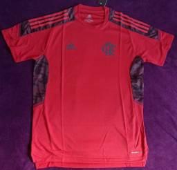 Camisa do Flamengo treino vermelha (disponível: P)