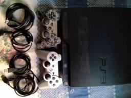 PS3 com 2 controles e cabos