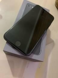 iPhone 8 - 64gb.