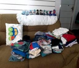 Lote de 72 peças de roupa infantil masculina