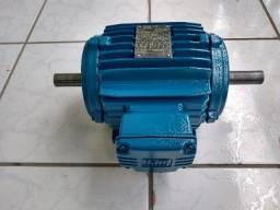 Motor Elétrico Trifásico Duplo Eixo Weg 1cv 830rpm Usado