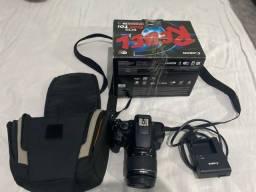 Camera Canon T6 + Lente 18-55mm + Lente Mala