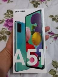 Samsung Galaxy A51, Completo com todos os Acessórios Originais e NF. R$1.500,00