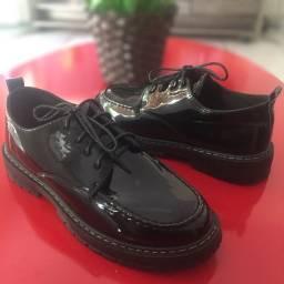 Sapato Oxford NOVO , estilo Dr Martens tam 40