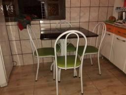 Mesa De mármore de 4 cadeiras