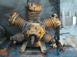Cabeçote compressor industrial no estado