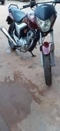 Vendo essa linda moto 150 tudo ok motor pintura - 2011