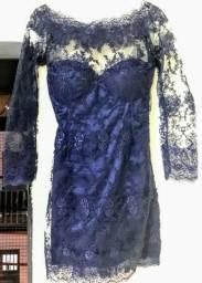Vestido de festa curto azul manga longa em renda