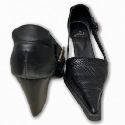 Sapato couro salto médio