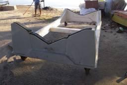 Carreta de fibra de encalhe para lancha ate 20 pes com rodas giratorias