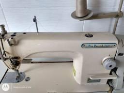 Vendo duas Máquinas de costuras 1,200 cada uma  overlok e reta industrial