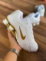 Título do anúncio: Tênis Nike Shox R4 (masculino e feminino)