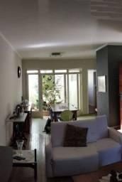 Casa com 4 dormitórios