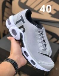 Vendo tênis da Nike números e cores nas fotos