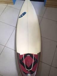 Prancha de surf Guto Bazoni, Seminova!