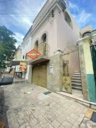 More no Centro - Casa com 3qrts, 2 suítes - vizinhança com comércios variados