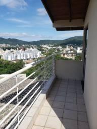 Alugo Espaçoso Apartamento com 1 quarto e varanda   700m da Universidade