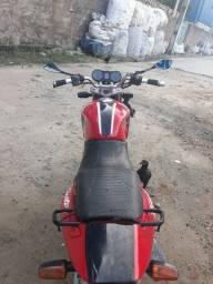 Vende-se uma moto Honda/cbx250 twister