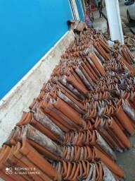 Vendo telhas de barro  usada