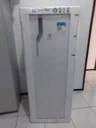 Refrigerador Electrolux 240 Litros   Novo