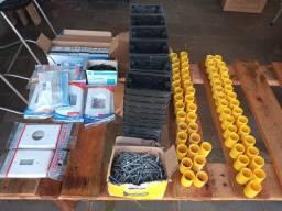 Material elétrico caixas luvas disjuntores