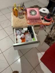 Vendo mesa de manicure