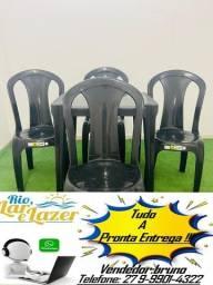 jogo 1 mesa c/ 4 cadeiras de plastico extra forte