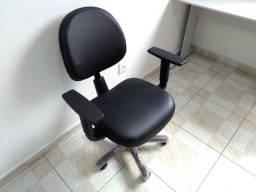 Cadeira secretária completa (courino)