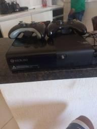 XBOX 350 SEMI NOVO (2 CONTROLES)