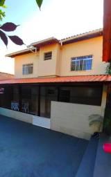 Casa 4 Qts c/ Garagem em Araças - Parcelo