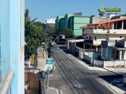Apartamento com 2 dormitórios e área de serviço - Monte Serrat