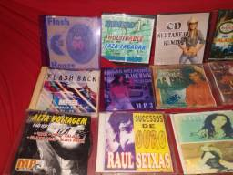 24 CD'S  vários títulos.  Mídia prata