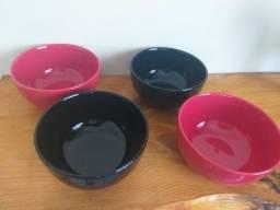 Conjunto de tigelas de cerâmicas novas