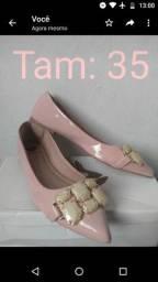 Sandálias e sapatilhas novas