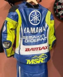 Macacão MotoGP Yamaha VR46 MSR OneX 2 peças com Camel bag Tam 54