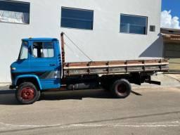 Caminhão M. Benz L 608